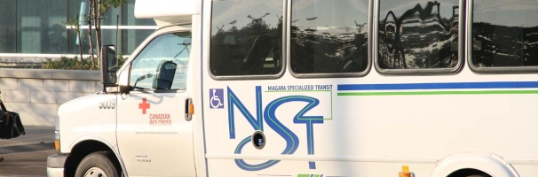 Side view of Niagara Specialized Transit bus